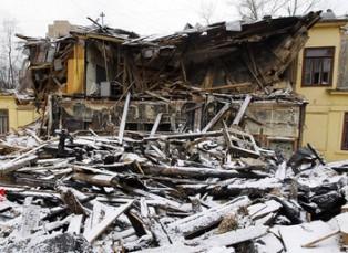 Два жилых дома уничтожено огнем в австралийском Риверленде