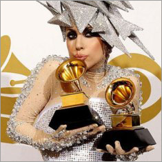 Кукла Леди Гага — оценка ущерба на 10 миллионов долларов / Практика оценки недвижимости в мире / Оценочная организация АБН-Консалт, оценка ущерба, независимая оценка стоимости бизнеса
